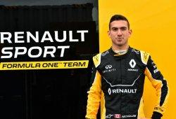 Nicholas Latifi se sube al Renault R.S.17 en los test de Pirelli