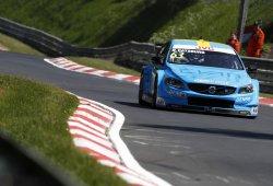 Nicky Catsburg deja su sello en los libres de Nürburgring