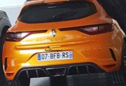 ¡Sorpresa! Se filtra el Renault Mégane RS 2018: su zaga totalmente al descubierto