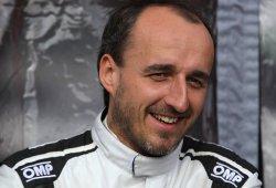 Robert Kubica prueba un Fórmula E en Donington Park