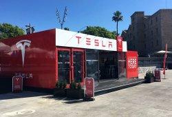 Tesla inaugura en Barcelona su primera 'Pop-up Store' en España