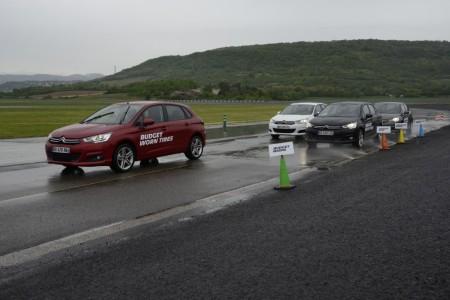 ¿Cuándo cambiar los neumáticos? Michelin apuesta por gastarlos hasta el límite legal