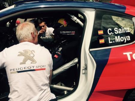 Carlos Sainz y Luis Moya dan una 'vuelta' por el pasado