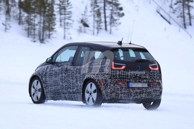 BMW i3 2018 - foto espía posterior
