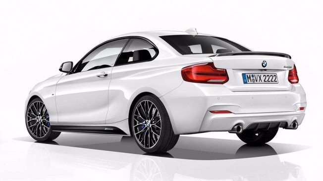 BMW M240i M Performance Edition - posterior