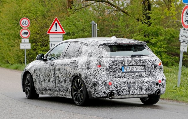 BMW Serie 1 2019 - foto espía posterior