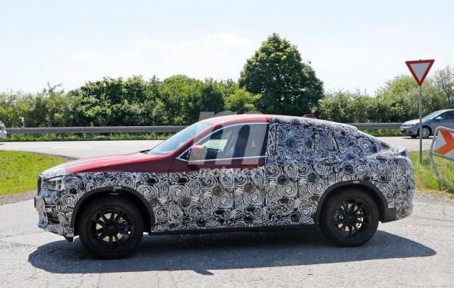 BMW X4 2018 - foto espía lateral
