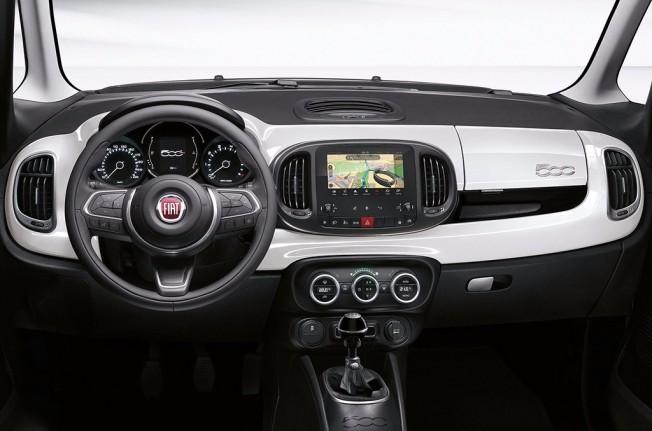 Fiat 500L 2017 - interior