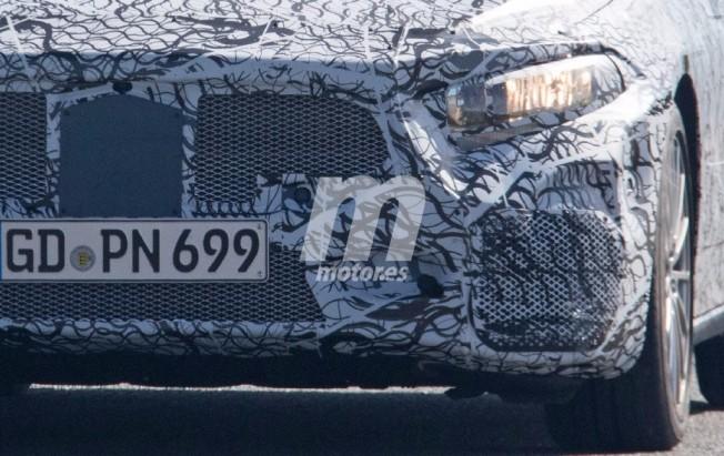 Mercedes-AMG A 40 2018 - foto espía frontal