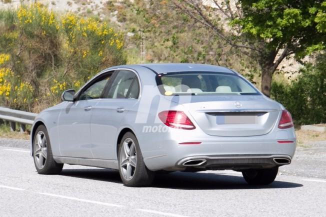 Mercedes E 350 e 2018 - foto espía posterior