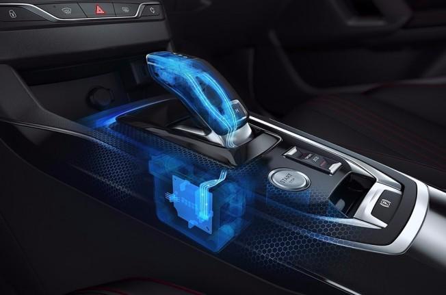 Peugeot 308 2018 - interior