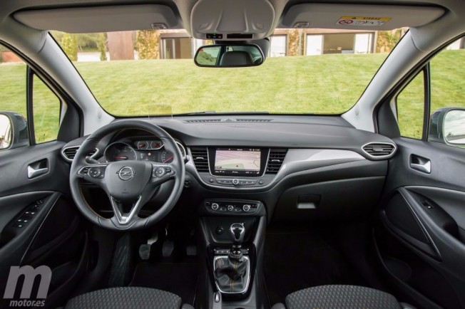 Opel Crossland X - interior