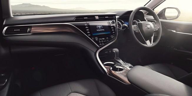 Toyota Camry 2018 - interior