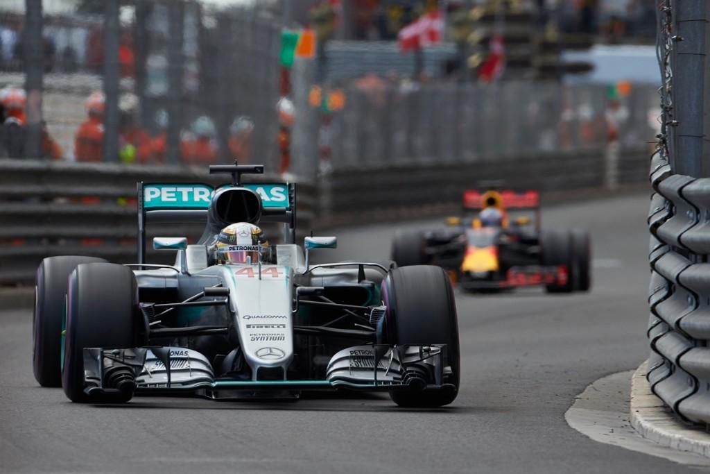 """Lewis Hamilton: """"Estoy convencido de que algún piloto acariciará el muro"""""""