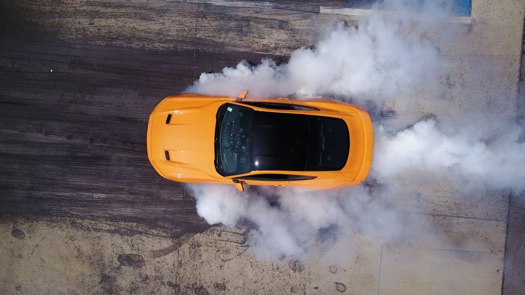 La gama Ford Mustang 2018 contará con el sistema Line-lock para hacer burnouts