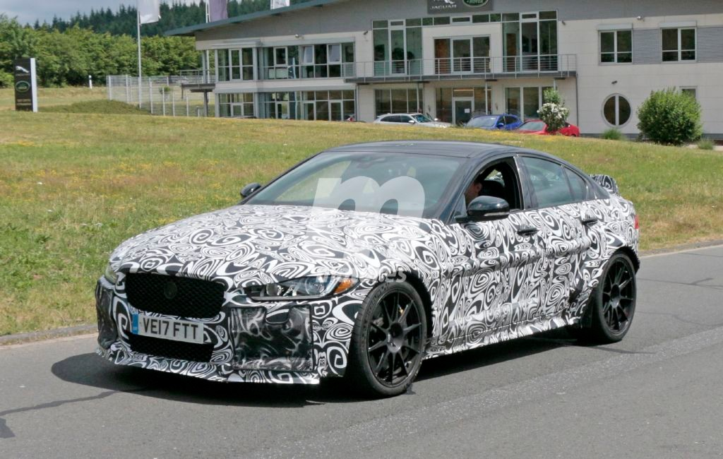 Cazado el Jaguar XE SV Project 8 poco antes de su debut en Goodwood