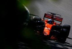 "Alonso: ""Tengo todas las ruedas firmadas por los muros"""