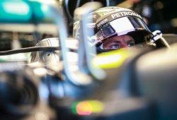 Bottas demuestra que Mercedes llega fuerte a la clasificación