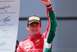 Charles Leclerc gana una carrera plagada de incidentes