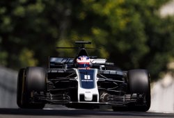 """Grosjean, a vueltas con los frenos: """"Hemos perdido una sesión"""""""