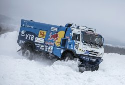 El Kamaz 4326 cambia la arena del Dakar por la nieve