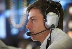 """Wolff: """"Mercedes no es el favorito, pero esta temporada es un maratón"""""""