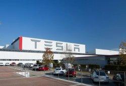 Toyota vende su participación en Tesla e invierte en un proyecto de coche volador