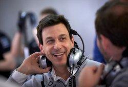 """Wolff: """"Si cenas con Flavio, está claro que vas a hablar sobre Alonso"""""""