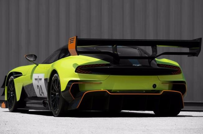 Aston Martin Vulcan AMR Pro - posterior