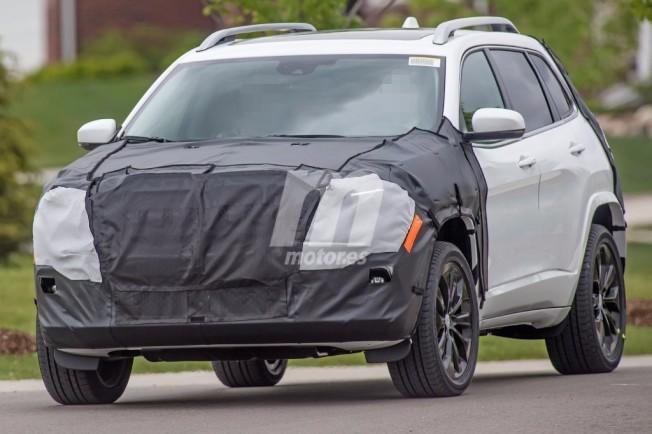Jeep Cherokee 2018 - foto espía