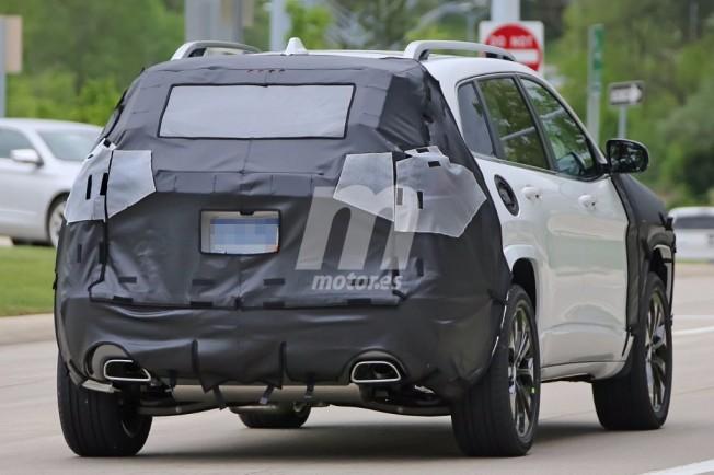 Jeep Cherokee 2018 - foto espía posterior