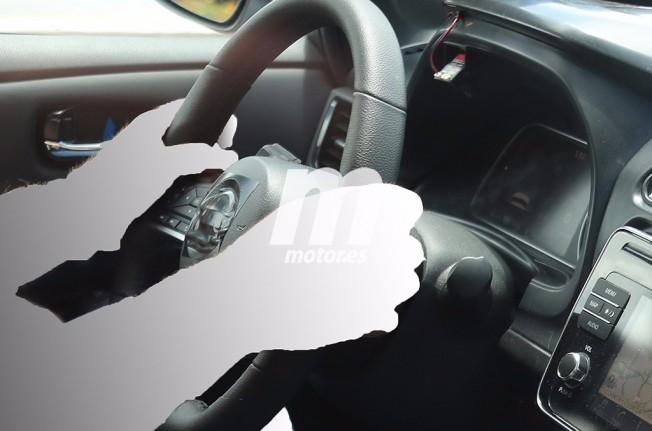 Nissan Leaf 2018 - foto espía interior