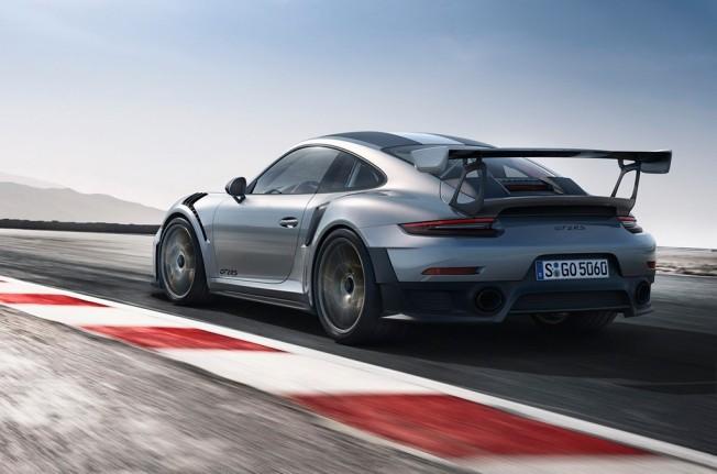 Porsche 911 GT2 RS 2018 - posterior