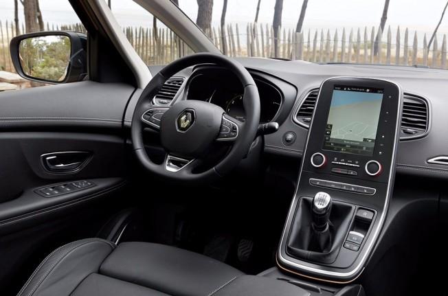 Renault Scénic 2017 - interior