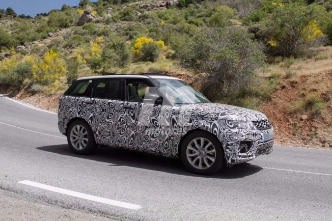 Range Rover Sport 2018 - foto espía lateral
