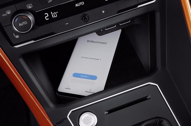 Volkswagen Polo 2018 - cargador inalámbrico