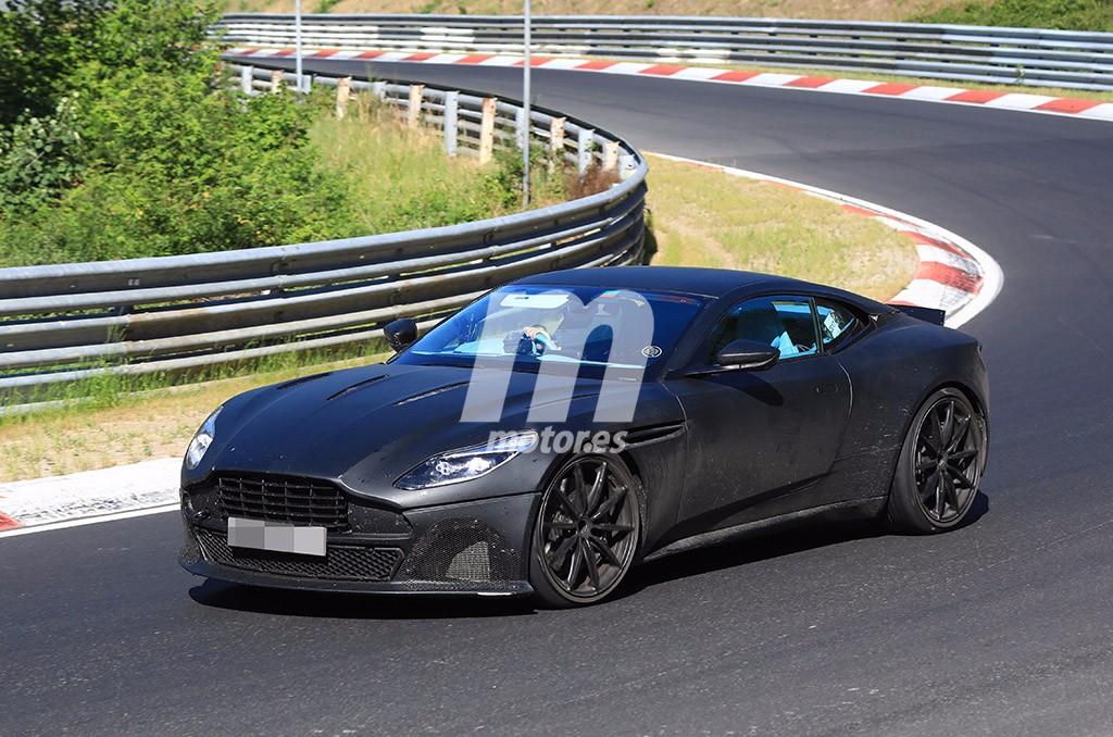 El nuevo Aston Martin DB11 S 2018 se deja ver a su paso por Nürburgring
