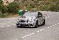 El esperado BMW M2 CS 2018 aprovecha el verano para perder camuflaje
