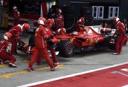 Un doble fallo de neumáticos arruina la carrera de Ferrari