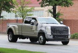 Ford Super Duty F-450 Platinum 2019: nueva actualización para los F-Series