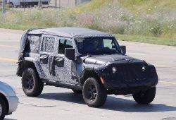 Jeep Wrangler: la versión Rubicon Unlimited con techo de lona al descubierto