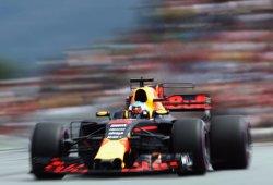 Ricciardo aventaja a un Verstappen muy fallón en Q3