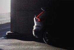 Volvo XC40: la primera imagen del crossover nos muestra su trasera