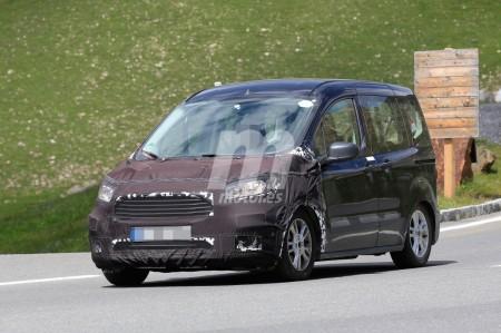 Ford Tourneo Courier 2018: nuevas imágenes del inminente facelift
