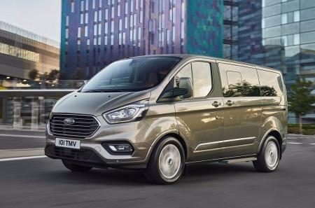 Ford Tourneo Custom 2018: más tecnología y acabados de tipo premium
