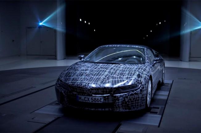 BMW i8 Roadster - teaser