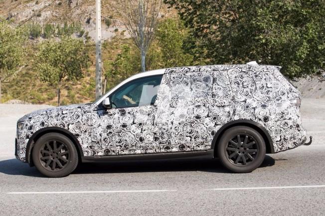 BMW X7 2018 - foto espía lateral