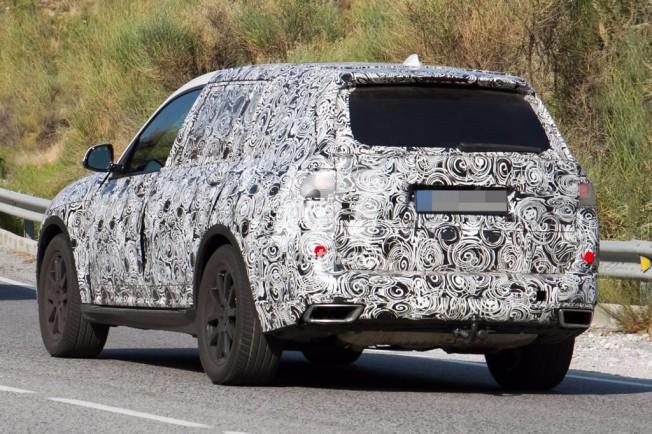 BMW X7 2018 - foto espía posterior