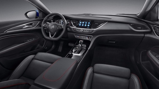 Buick Regal GS 2018 - interior