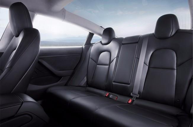 Tesla Model 3 - asientos